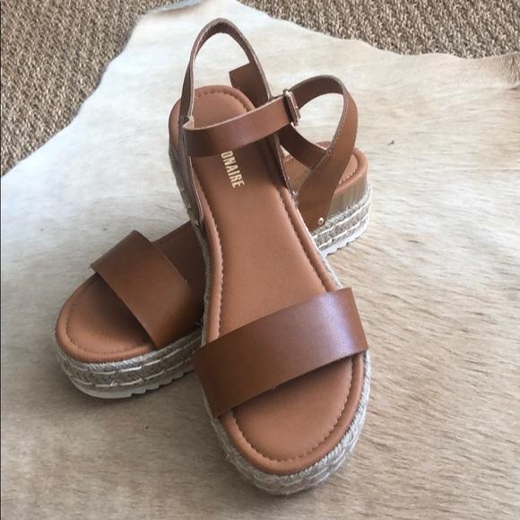 Cushionaire Shoes - Cute tan wedge sandals